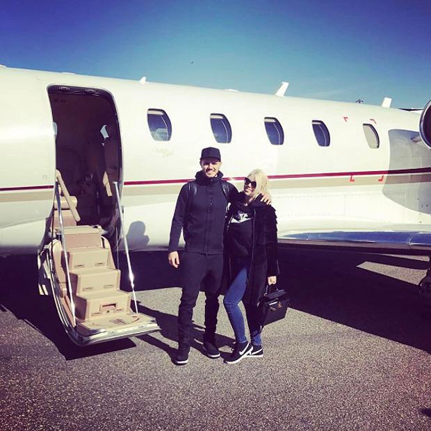 Jet Privato In Inglese : Mauro icardi e wanda nara volano a londra pagina